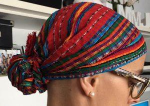 Pañuelo foulard con flor quimio 2